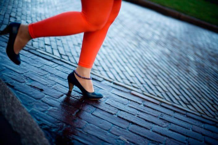 Nederland, Arnhem, 19-01-2011 Running woman legs in Arnhem PHOTO AND COPYRIGHT ROGER CREMERS