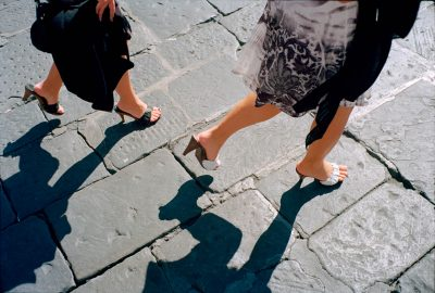 Italie, Florence, 22-09-2011 Beautiful women legs on the street in Florence PHOTO AND COPYRIGHT ROGER CREMERS