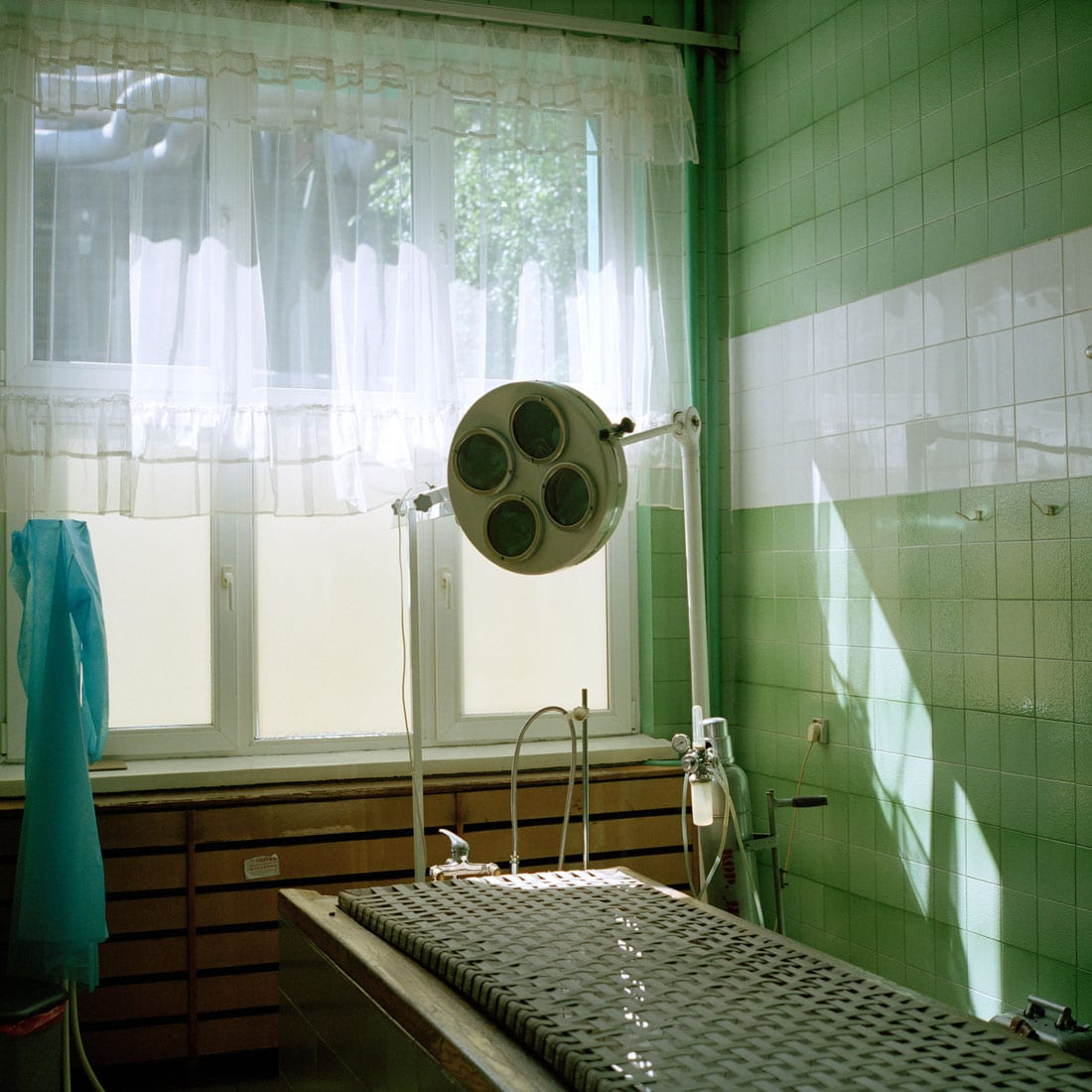 Polen, Knurow, 07-05-2008 Steenkolen mijn KWK Szczyglowice in Knurow. Operatie tafel in de Kolenmijn bij de medische afdeling. PHOTO AND COPYRIGHT ROGER CREMERS