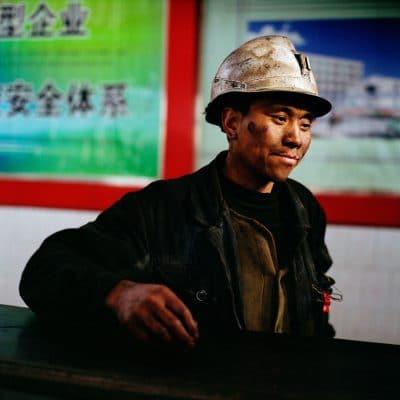China, Binnen Mongolie, Qia Bu Qi, 20-03-2009 China, Inner Mongolia, Qia Bu Qi, 20-03-2009 De staatsmijn Ping Gou in het dorpje Pia Bu Qi ten zuiden van de Wuhai. een modern uitgerustte steenkolenmijn in China. PHOTO AND COPYRIGHT ROGER CREMERS
