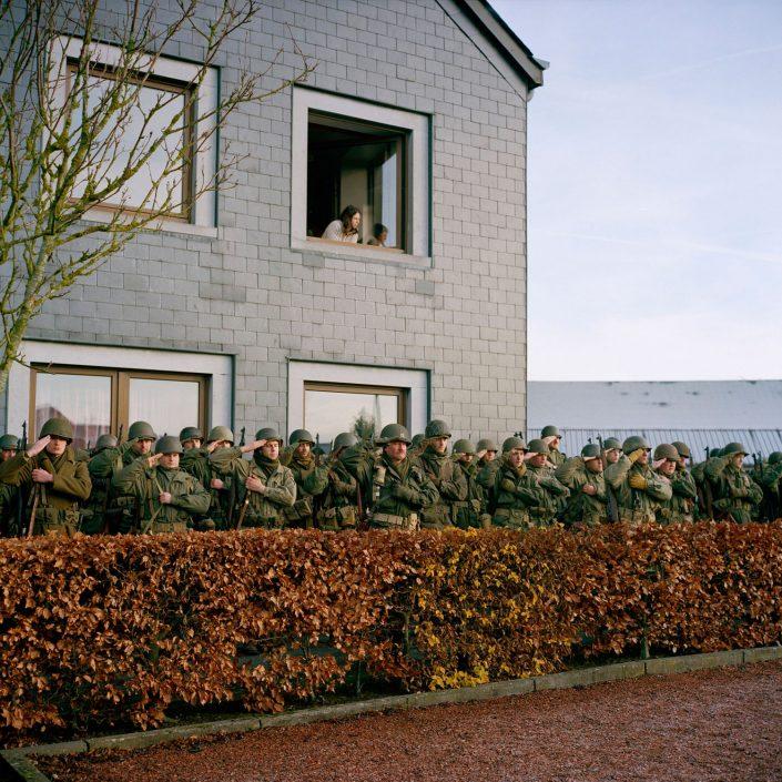 Belgie, Noville, 11-12-2011 de 66 herdenkingdag van 'The battle of the Bulge', het Ardennenoffensief. In het dorpjes Recogne en Cobru, een deelgemeente van Bastogne (Bastenaken) wordt door reenactors de slag nagespeeld. In het dorp Recogne bevinden zich de amerikaanse militairen. In het nabijgelegen dorp Cobru liggen de Duitse militairen. Deelnemers komen uit Belgie, nederland, Frankrijk, Polen, Duitsland en Italie. Het evenement wordt georganiseerd door Dutyfirst. PHOTO AND COPYRIGHT ROGER CREMERS