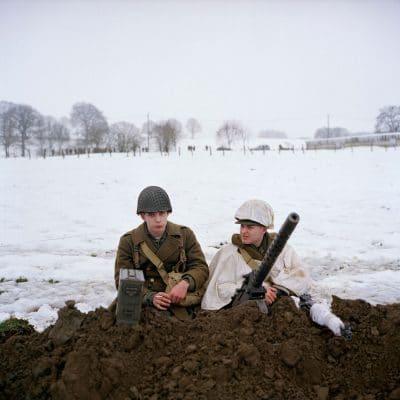 Belgie, Recogne, 11-12-2010 de 66 herdenkingdag van 'The battle of the Bulge', het Ardennenoffensief. In het dorpjes Recogne, een deelgemeente van Bastogne (Bastenaken) wordt door reenactors de slag nagespeeld. In het dorp Recogne bevinden zich de amerikaanse militairen. In het nabijgelegen dorp Cobru liggen de Duitse militairen. Deelnemers komen uit Belgie, nederland, Frankrijk, Polen, Duitsland en Italie. Het evenement wordt georganiseerd door Dutyfirst. PHOTO AND COPYRIGHT ROGER CREMERS
