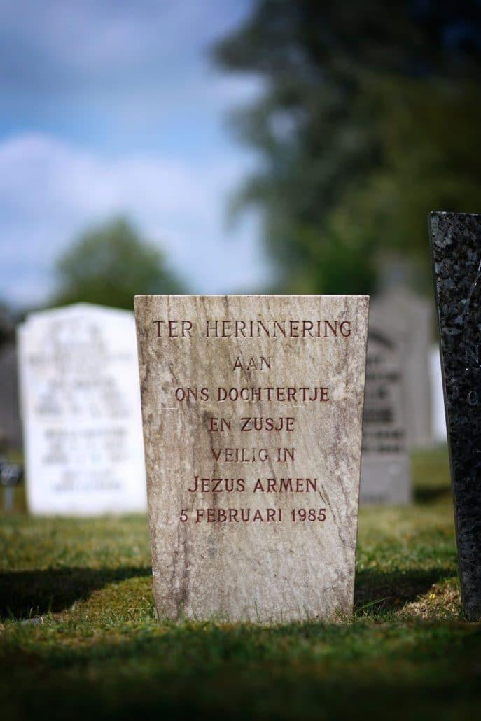 Krimpen aan de Lek graf by roger cremers