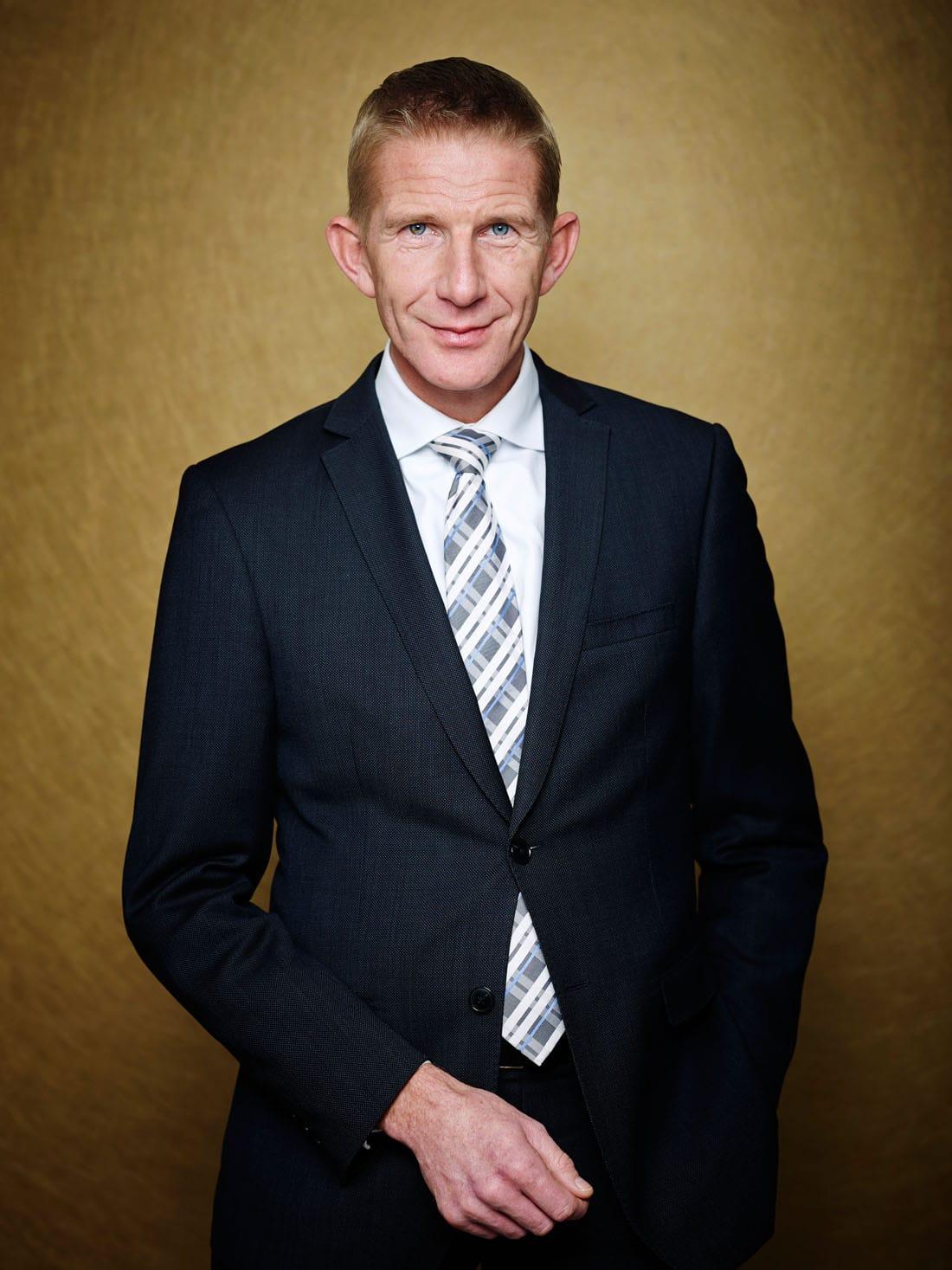 Nederland, Amsterdam, 26-10-2012 Jack de Vries, directie lid van het communicatieadviesbureau Hill & Knowlton. En is een voormalig Nederlands politicus en spindoctor. PHOTO AND COPYRIGHT ROGER CREMERS