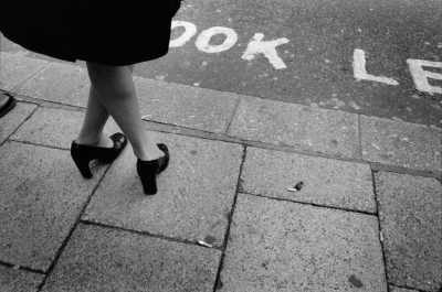 Photo and Copyright Roger Cremers 1999 Beautiful en elegant woman legs on high heels in the streets of London.