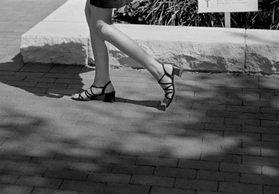 Texas, Houston, 15-09-2000 Beautiful en elegant woman legs on high heels in the streets of Houston Texas. PHOTO AND COPYRIGHT ROGER CREMERS