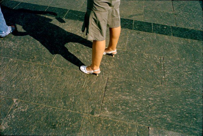 Oekraine, Lwow, 25-08-2006 Beautiful en elegant woman legs on high heels in the streets of Lviv Ukraine PHOTO AND COPYRIGHT ROGER CREMERS