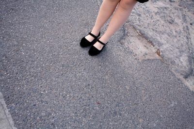 China, Beijing, 22-03-2009 Beautiful and elegant woman legs in the streets of Bejing PHOTO AND COPYRIGHT ROGER CREMERS