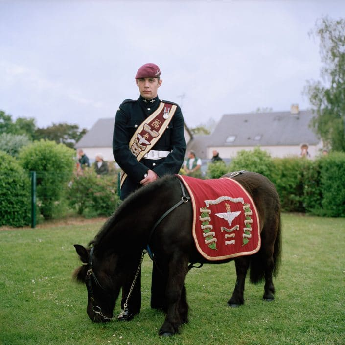 Frankrijk, Ranville, 05-06-2012 Memorial Pegasus A soldier and the horse of the parachute regiment PHOTO AND COPYRIGHT ROGER CREMERS