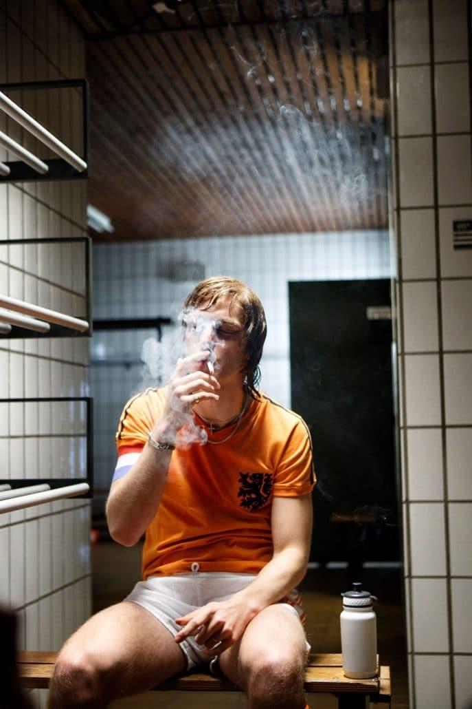 Nederland, Amsterdam, 22-04-2013 Opnames's van de vierdelige dramaserie Cruijff, met Reinout Scholten van Aschat als de jonge Cruijf. Sporthal De Boelelaan, Boelelaan 46 te Amsterdam. PHOTO AND COPYRIGHT ROGER CREMERS