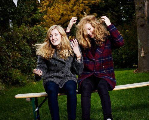 Loes en Renee Wijnhoven zijn Clean Pete, een Nederlands akoestisch popduo. PHOTO AND COPYRIGHT ROGER CREMERS 2015