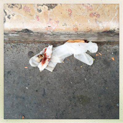 Frankrijk, Parijs, 14-12-2015 Stille getuigen van de aanslag op de Bataclan in Parijs. PHOTO AND COPYRIGHT ROGER CREMERS